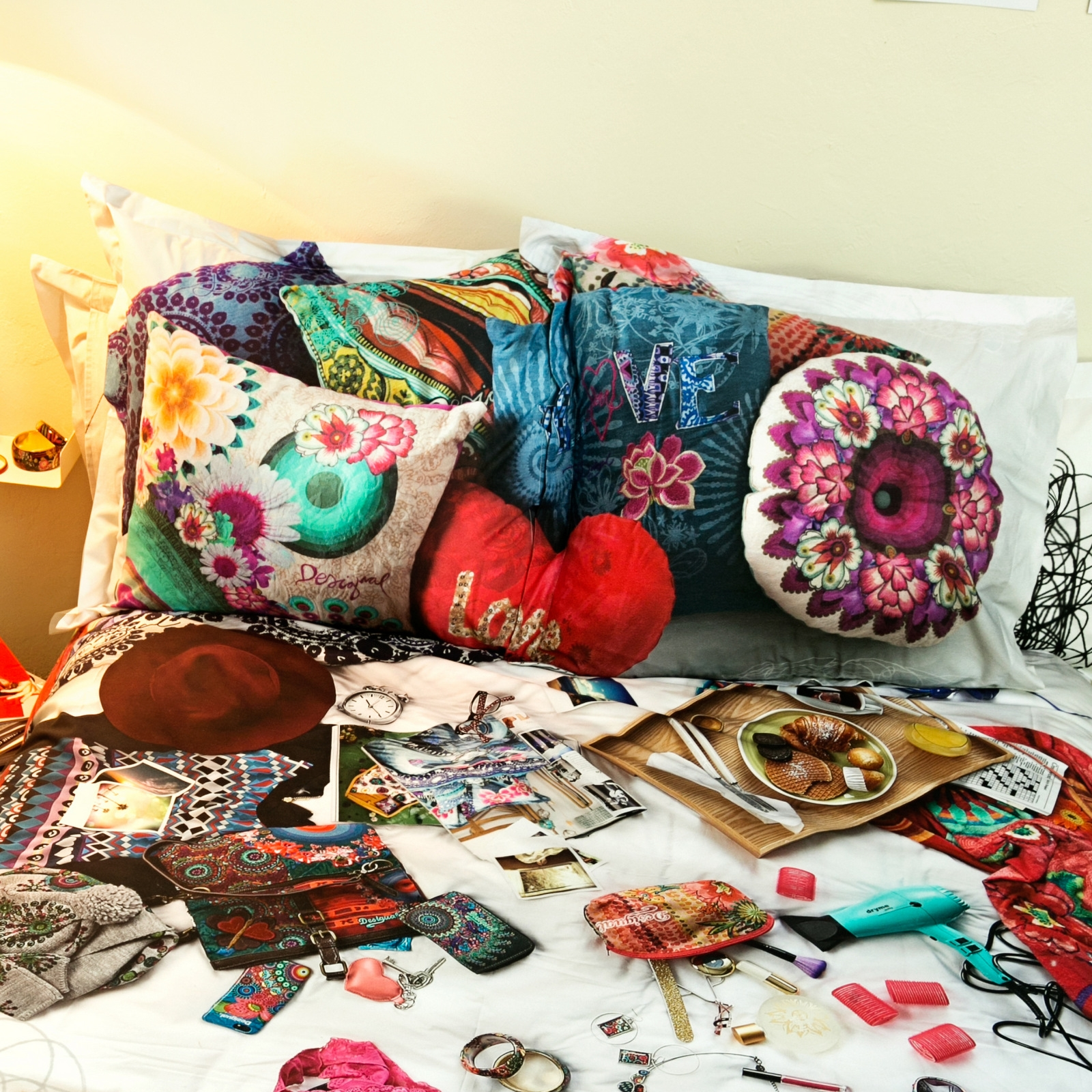 Taie-d-039-oreiller-carree-MESSY-BED-RIGHT-Desigual